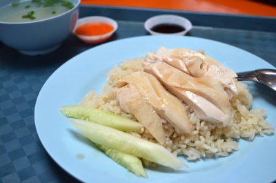 賣著傳統美食的小販,誰來延續?新加坡熟食中心面臨的考驗