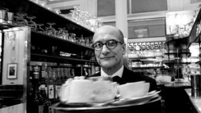 35 年餐飲生涯 巴黎雙叟咖啡館服務生 Yves 的熱情與建言