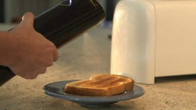 奶油噴霧器?只要幾秒鐘,硬梆梆奶油瞬間融化變噴霧!