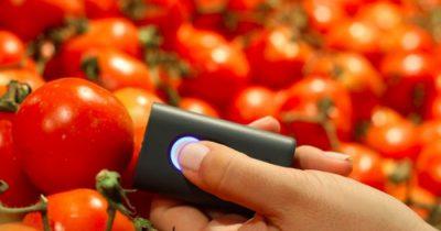 掌上型感測器 SCiO——輕輕掃描,食物的營養成份與熱量立刻得知