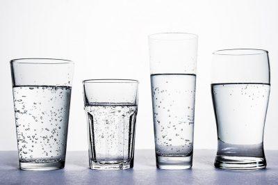 為什麼有些氣泡水喝來鹹鹹的?四大種類口感、用途大不同!
