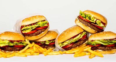 「會流鮮紅肉汁的純素漢堡排」宣告將正式量產,地球有救了?
