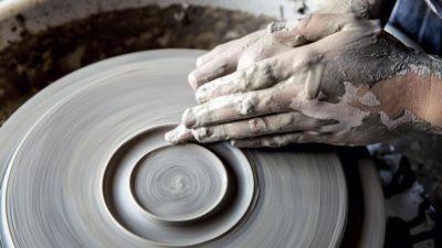 打造完整用餐體驗:主廚自製手工陶器